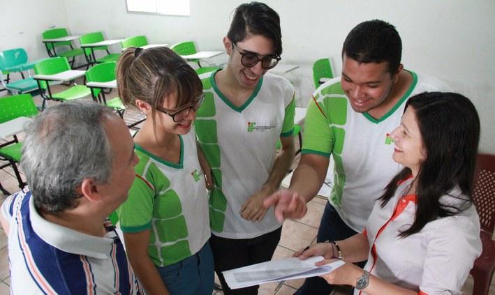 PROIFPE Abreu e Lima comemora aprovações no Vestibular 2017.2