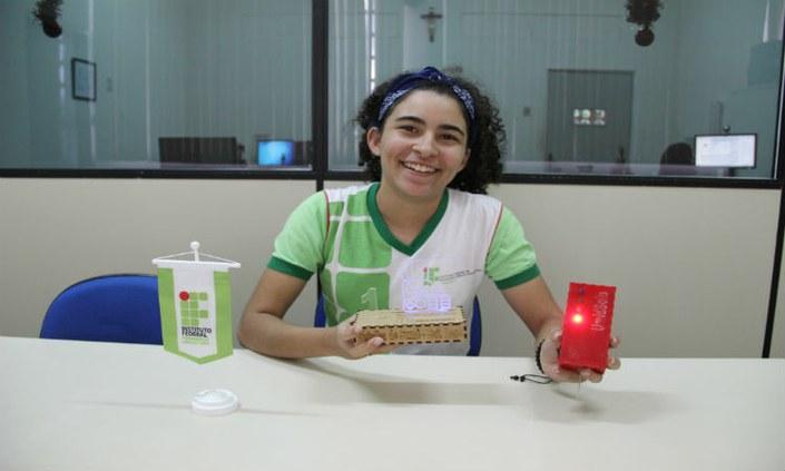 Estudante do IFPE-Belo Jardim é premiada em festival de tecnologia