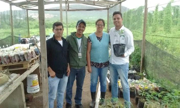 IFPE-Belo Jardim faz doação de mudas para o município de Alagoinha