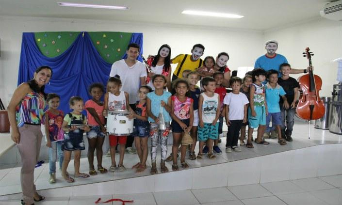 IFPE-Belo jardim promove música e literatura para crianças da rede pública