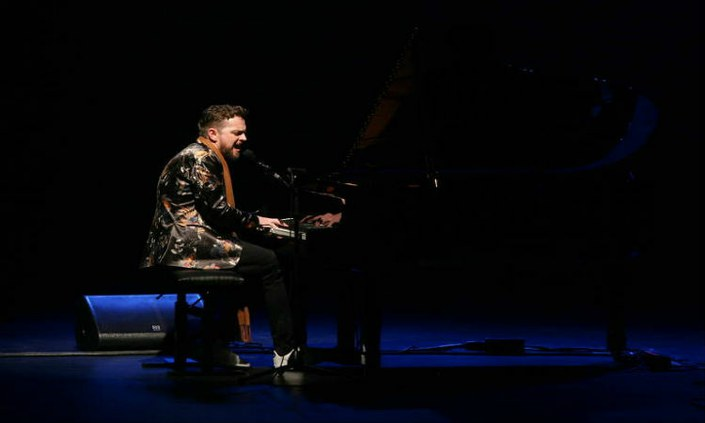 Professor de piano do IFPE-Belo Jardim faz  show ao lado de Madonna
