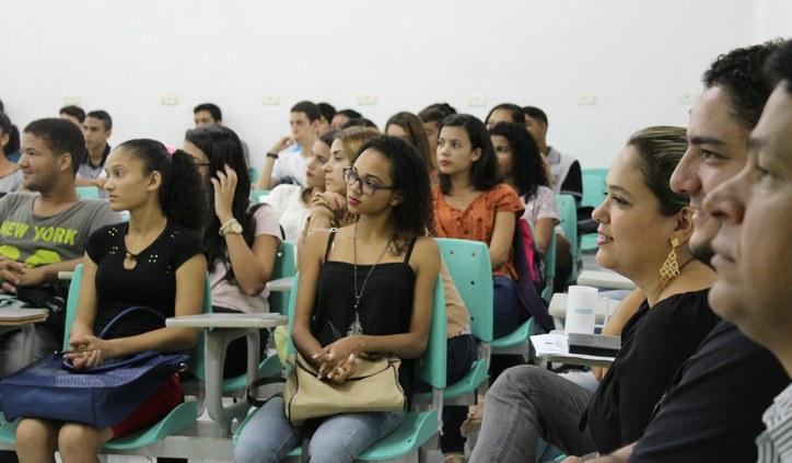 Aula Inaugural para novas turmas no Campus Cabo