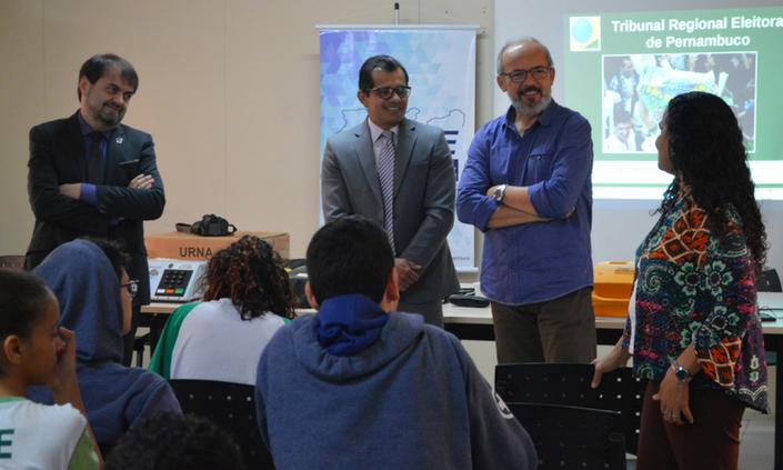 Palesta tratou de educação política com estudantes do campus