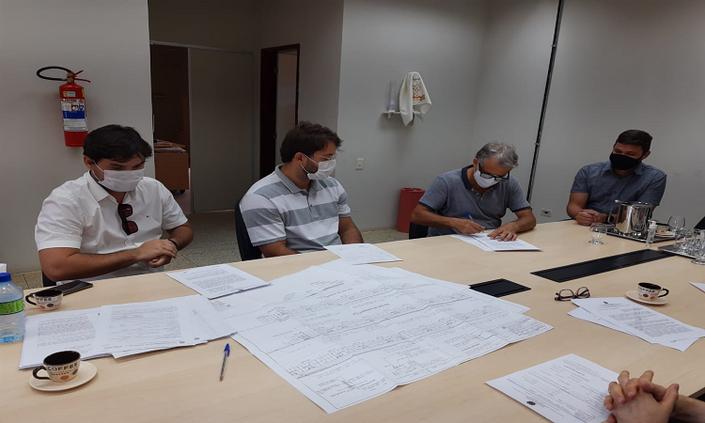 Campus Garanhuns assina ordens de serviço para novas obras