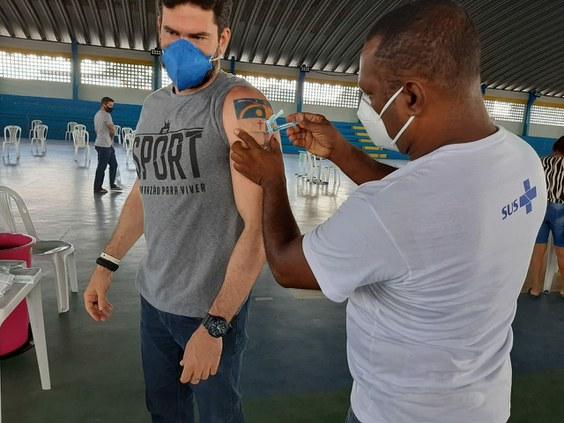 Profissionais do IFPE Igarassu começam a ser imunizados contra a Covid-19