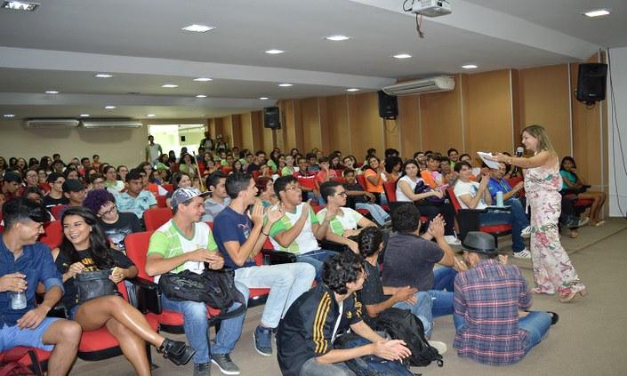 Campus Pesqueira recepciona novos estudantes com Aula Inaugural