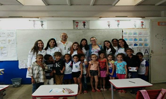 Crianças do CAIC Pesqueira recebem serviços de saúde