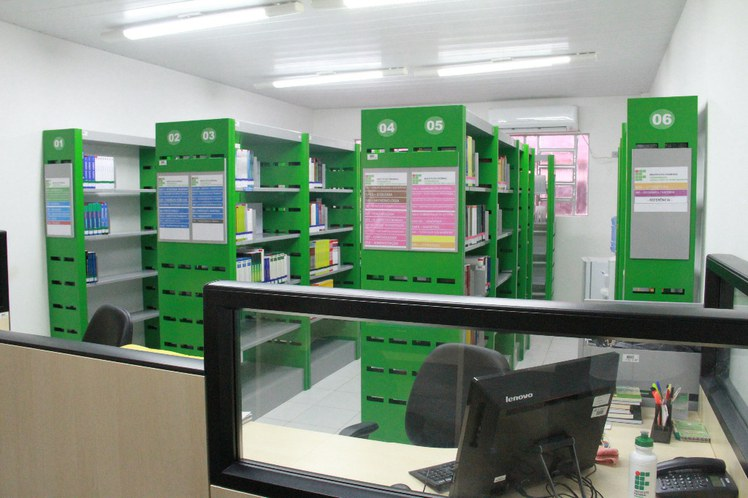 biblioteca cabo.jpg