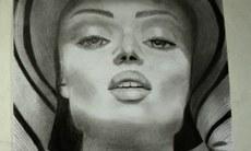 Desenho de uma mulher realizado por participante do curso